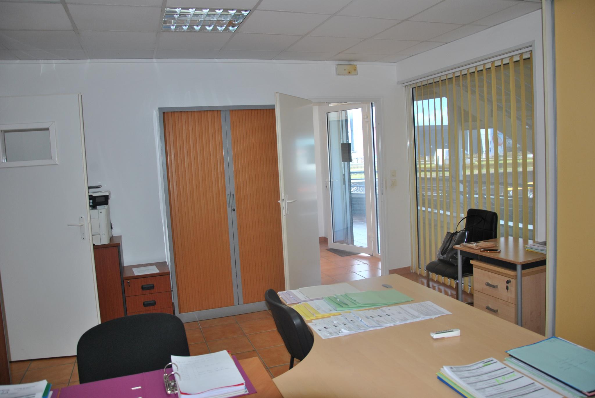 bureaux A vendre BAIE MAHAULT