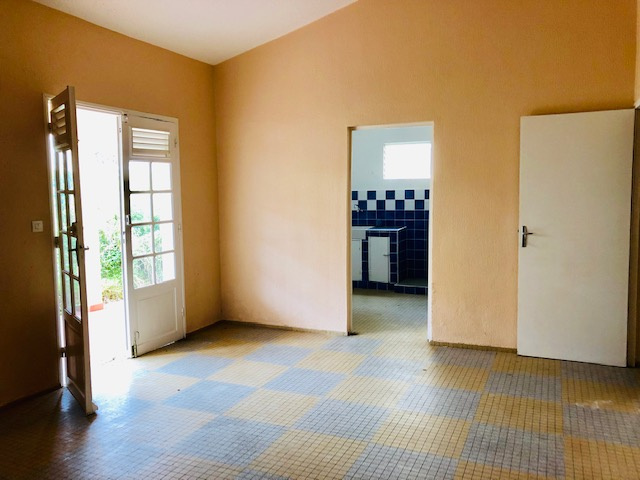 maison/villa A louer GOYAVE