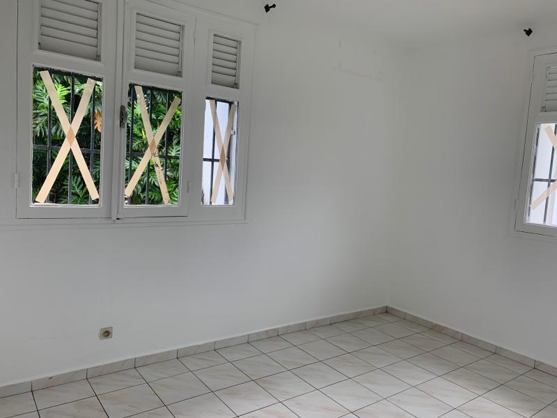 maison/villa A louer LES ABYMES