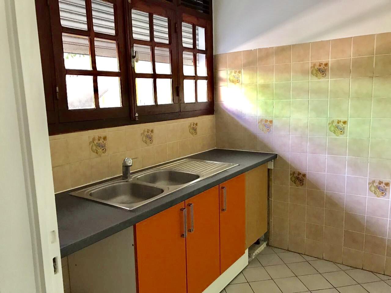 appartement A louer CAPESTERRE BELLE EAU