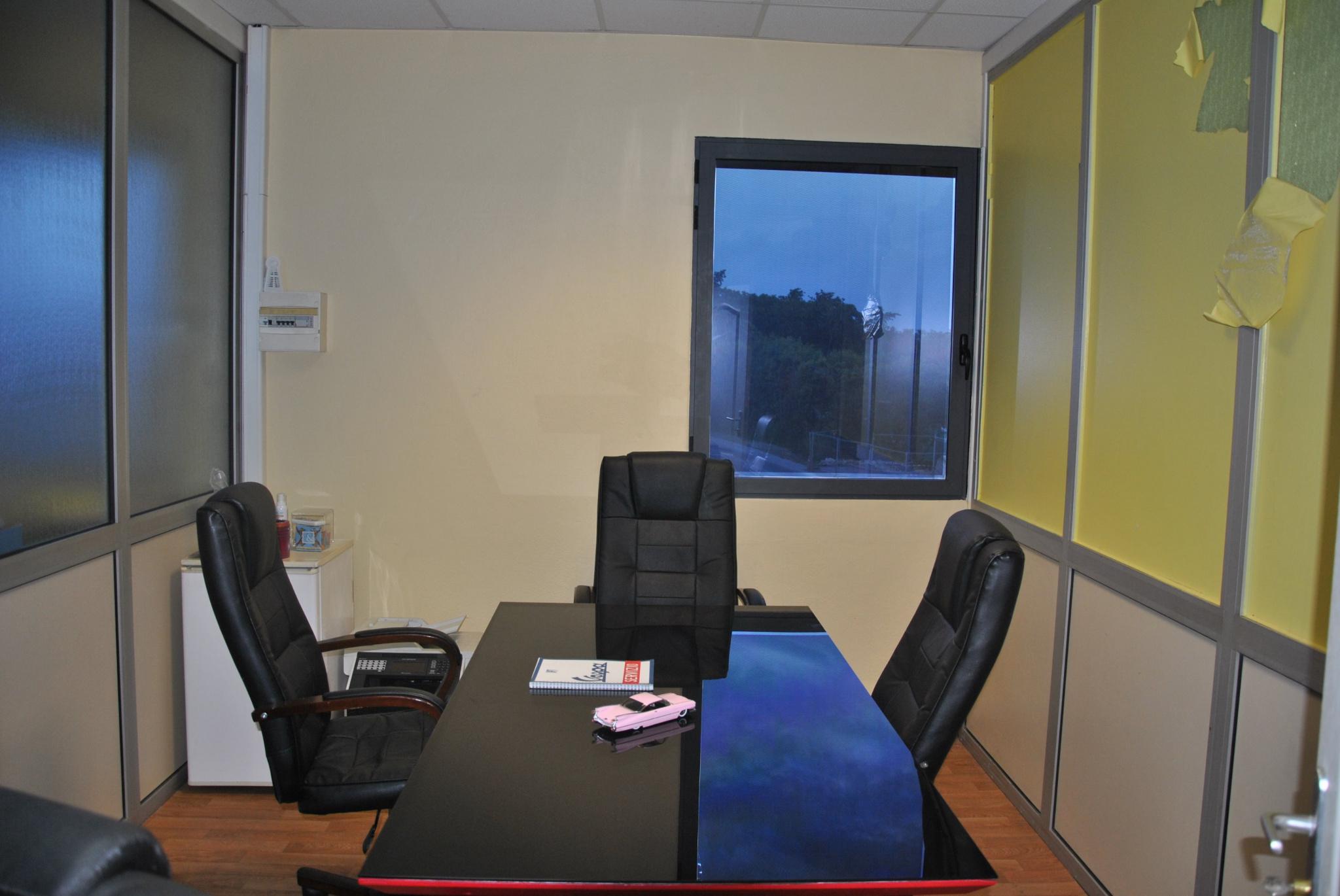 bureaux A louer BAIE MAHAULT